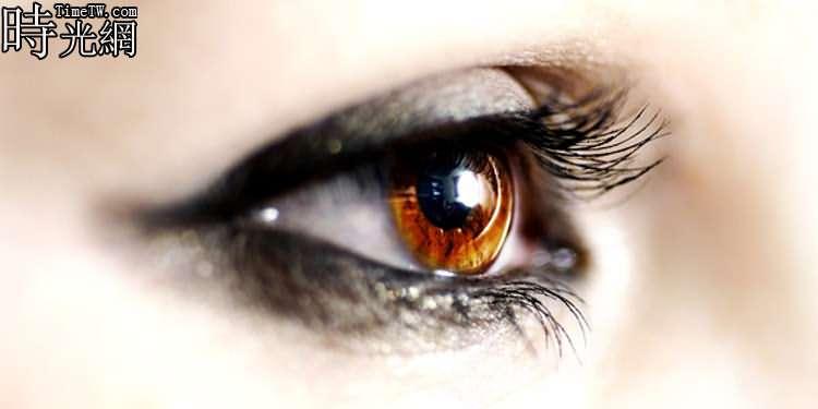 雙眼皮手術後如何消腫 不可不知的注意事項